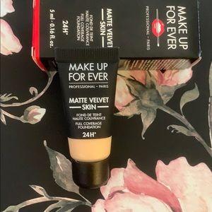 Matte Velvet Foundation Y245 by Make Up Forever